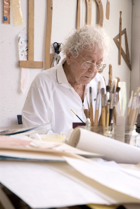 Hans Erni in his studio in 2010. Photograph: Barbara Hess / http://creativecommons.org/licenses/by/3.0/de/deed.en