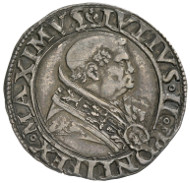 Julius II, real name Giuliano della Rovere, Pope (1503-1513). Giulio, Rome. Bust portrait of the Pope to the right. Rv. Saint Peter with keys and book in frontal view, below the keys, trident as symbol for the Fugger family in Augsburg, who managed the papal mint. © MoneyMuseum, Zurich.