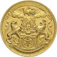 1253: Erzbistum Mainz. Lothar Franz Freiherr von Schönborn. 1695-1729. Große vergoldete Medaille 1706 auf den 51. Geburtstag des Erzbischofs. Rufpreis: EUR 8.000.