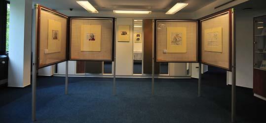 Die Arbeiten von Elisabeth von Janota-Bzowski sind in den neuen Geschäftsräumen des Auktionshauses Felzmann ausgestellt.