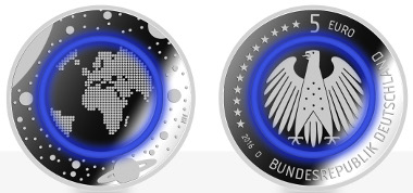 A testimony of innovative minting technology made in Germany: the new German 5 euro commemorative coin with polymer ring. Photo: © State mints of Baden-Wuerttemberg.