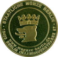 On the occasion of the reopening, the Staatliche Münze Berlin presented all staff members of the Coin Cabinet with a commemorative medal. Photo: Staatliche Münze Berlin.
