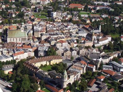 Hall besitzt die größte unversehrt erhaltene Altstadt Westösterreichs. Foto: Stadtmarketing Hall.