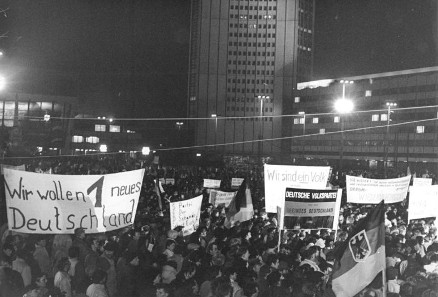 Montagsdemonstration in Leipzig am 8. Januar 1990. Quelle: