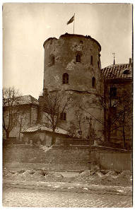 Riga Castle 1919 after heavy shelling during the Latvian Civil War. Source: Wikipedia.
