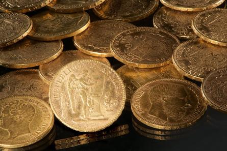 Coins from the treasure. Photograph: Volker Minkus / Niedersächsisches Landesamt für Denkmalpflege.