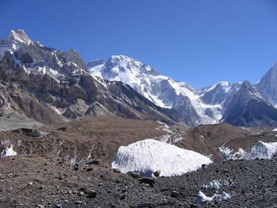 Der Broad Peak zwischen Pakistan und China. Foto: Wikipedia / Svy123. https://creativecommons.org/licenses/by-sa/3.0/deed.en