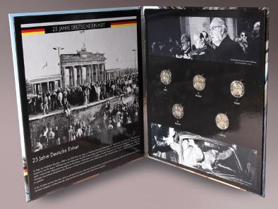 Album mit den Gedenkmünzen