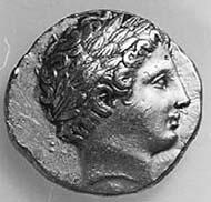 1 (1) SNG Tübingen 1059. Philipp II., Stater, Pella um 340 v. Chr., Vs: Spätklassischer Apollonkopf. Rs: Wagenlenker mit Zweigespann.
