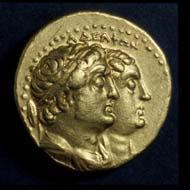 9 (29) Ptolemaios II., Gold-Tetradrachme, um 260-240 v. Chr., Vs: Ptolemaios II. und Arsinoe II. Rs: Ptolemaios I. und Berenike I.