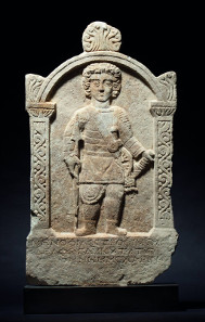 A Roman gravestone of a venator in marble, 3rd century A.D. Starting price: 35,000 Euros.