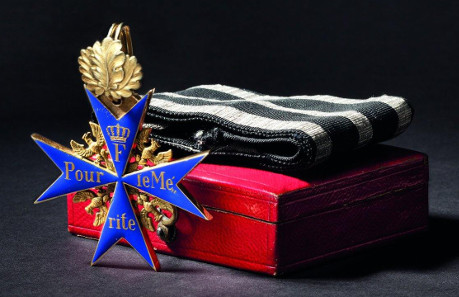 Order Pour le Mérite - a Cross with Oak Leaves 1870/71. Starting price: 28,000 Euros.