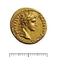 12 (15) RIC I2, 206. Augustus, Aureus, Lyon nach 2/1 v. Chr., Gewicht: 7,940 g. Vs: Porträt mit Lorbeerkranz, PATER PATRIAE Rs: Gaius und Lucius Caesar.