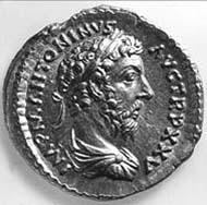34 (44) RIC III, 249. Marcus Aurelius, Aureus, Rom 166-172 n. Chr., Gewicht: 7,17 g. Vs: Gewandbüste mit Lorbeerkranz. Rs: Kaiser beim Opfer vor Dreifuß.