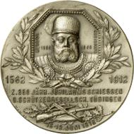 1562, während der Regierungszeit Christophs, wurde die Tübinger Schützengesellschaft gegründet. Zu ihrer 350-Jahrfeier gab sie eine Medaille heraus, auf der auch das Bildnis des Herzogs zu sehen ist (Stuttgart Landesmuseum Württemberg, Inv. MK 3069, Foto: Landesmuseum Württemberg, Adolar Wiedemann).