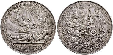 Los 3686: Gustav II. Adolph, 1611-1632 Silbermedaillon zu 5 Talern 1634. Maué 35. Dav. 275 A (als 5 Taler unter Erfurt). Sehr selten. Gutes vorzüglich. Prachtvolles Exemplar dieser Medaille. Schätzung: CHF 7'500. Zuschlag: CHF 14'000.