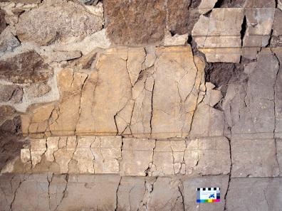Detail der farbigen Fassung der Wanddekoration. Quelle: Deutsches Archäologisches Institut.