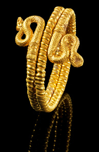 Lot 283: Gold snake bracelet. Hellenistic, ca. 330-300 BC. Estimate: 45,000,- euros. Provenance: From an Austrian private collection prior to 1980.