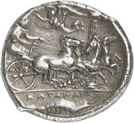 Nr. 8117: GRIECHEN. Sizilien. Katane. Tetradrachme, um 405/402, signiert von Herakleidas. Aus Slg. Jameson 547. Sehr selten. Vorzüglich. Taxe: 100.000,- Euro. Zuschlag: 200.000 Euro.