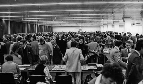 The trading hall at the 10th Basel International Coin Fair in 1981.