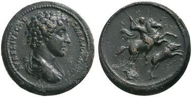 327 Roman Imperial. Marcus Aurelius as Caesar, 139-161. Bronze medallion, 140-144. Ex Prof Ernst Wintz Coll., Numismatik Lanz Auction 66 (1993), 566 and 94 (1999), 601. Unique, unpublished. Very fine. Estimate: 15,000 euros. Starting price: 9,000 euros.