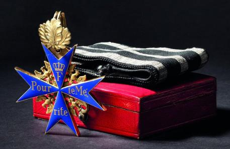 Orden Pour le Mérite - Kreuz mit Eichenlaub aus Gold gefertigt, 1870/71. Zuschlag: 33.000 Euro. Copyright Hermann Historica oHG 2015.