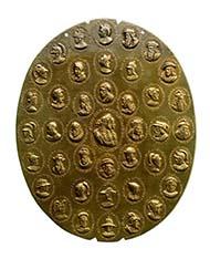 Alchemistisches Medaillon, 1677. Kaiser Leopold I. (1657-1705) und seine dritte Gemahlin Eleonore Magdalena von Pfalz-Neuburg (1655 -1720), Medailleur: Johann Permann (tätig um 1657 bis zumindest 1694), Gold-Silber-Kupfer (Guss), 7200,4 g, hochoval, Höhe 374 mm, Breite 301 mm. Münzkabinett Wien, Inv.-Nr. 27 bß.