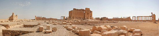 Vorhof und Tempel des Baal in Palmyra, nach den Sprengungen durch den IS am 30. August 2015 weitgehend zerstört. Foto: 3rik Albers / https://creativecommons.org/licenses/by-sa/3.0/deed.de