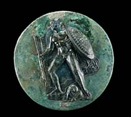No. 21: SPECIAL OBJECTS. Greek folding mirror, bronze. 4th cent. B. C. Jason, the Golden Fleece at his feet. Diameter 15.5 cm. - Estimate: 25,000; final price: 69,000 Euros.