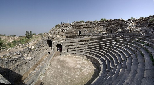 Westtheater in Gadara (Umm Qays). Foto: Berthold Werner / https://creativecommons.org/licenses/by-sa/3.0/deed.de