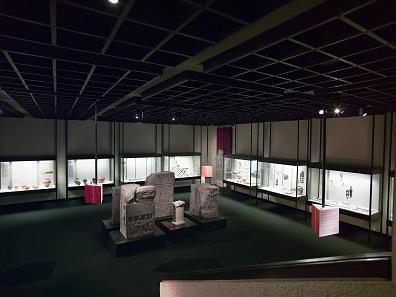 Ein Blick in die Ausstellung. © Archäologische Staatssammlung München, Foto Stefanie Friedrich.