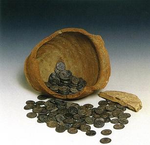 In Via Gabelli in Padua kam ein Schatzfund von 659 römischen Denaren zu Tage. © Comune di Padova/ Museo Bottacin.