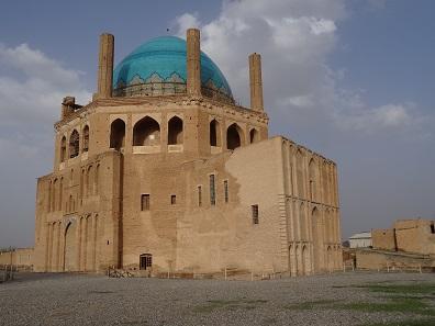 Öljaitü's magnificent tomb. Photo: KW.