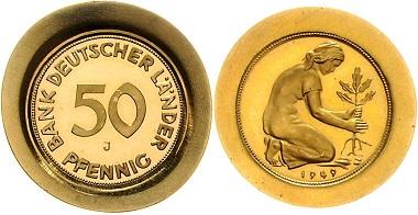 Los 2551: PROBEN BUNDESREPUBLIK DEUTSCHLAND, 50 Pfennig 1949 J. Goldabschlag der Vorderseite. Goldabschlag der Rückseite. zu J.379, Schaaf-, GOLD, 2 Stk., PP. Schätzpreis: 6.500,- Euro.