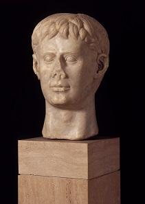 Marble bust of Frederick II, Italy, 1220-50 AD. Deutsches Archäologisches Institut, Rome.