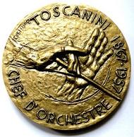 Der Club Français de la Médaille beauftragte Bucci mit der Medaille auf den Musiker Arturo Toscanini, die von der staatlichen französischen Münzstätte mit 70 mm Durchmesser geprägt wurde.