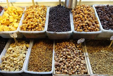 Dry fruit on the bazaar. Photo: KW.