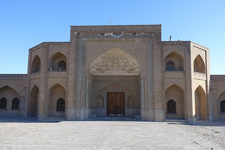 Quick stop on the way. A beautifully restored caravansary. Photo: KW.