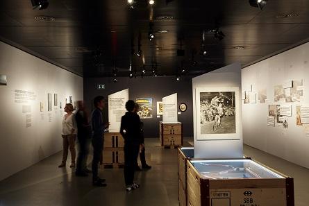 Blick in den zweiten Raum der Ausstellung