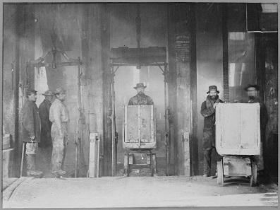 Rückkehr mit vollen Grubenhunden. Foto: National Archives and Records Administration 519526 / Wikipedia.