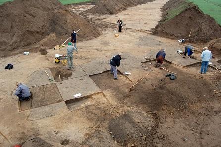 Eine archäologische Grabung bei Butzow. Foto: LAKD M-V, Landesarchäologie, S. Suhr.