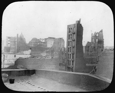 San Francisco nach dem Erdbeben, ein Blick vom Dach der Münzstätte. National Archives and Records Administration 296588.