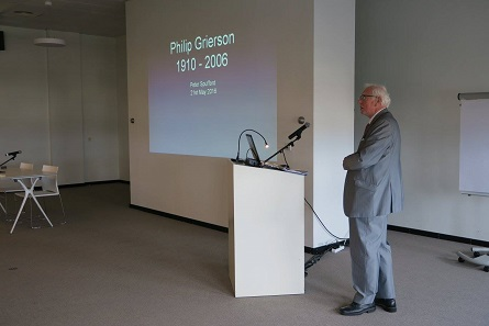 Peter Spufford spoke about Philip Grierson's relationship to Belgium. © Photograph: Royal Numismatic Society of Belgium.
