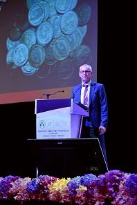 Dr Lutz Hofmann presents the final report on Flip Flop coins. Photograph: Mint of Thailand.