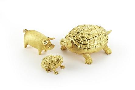 Auch Barren in Form von Tieren finden sich in der Sammlung. © Degussa Goldhandel.
