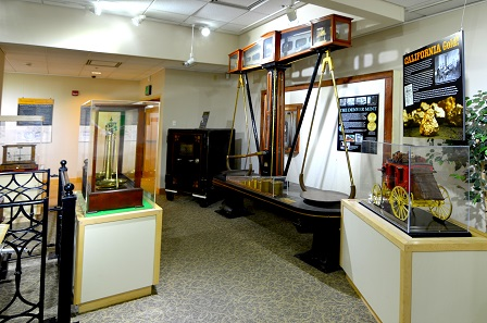Visitors can see a historical balance. This device was the first mass measuring instrument and was essential to miners.