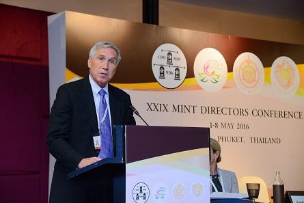 Jon Cameron von der US-Mint stellte das hervorragende Kinder- und Jugendprogramm der US-Mint vor. Foto: Mint of Thailand.