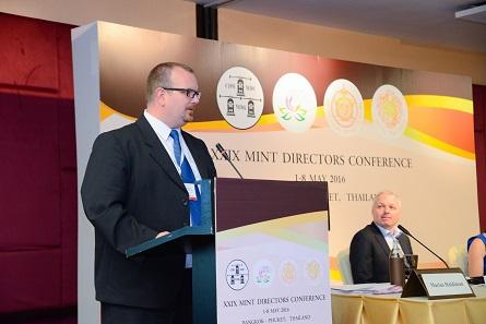 Marius Haldimann von der Swissmint leitete die dritte Sitzung des Marketing-Komitees, die sich um die Bedürfnisse des Kunden drehte. Foto: Mint of Thailand.