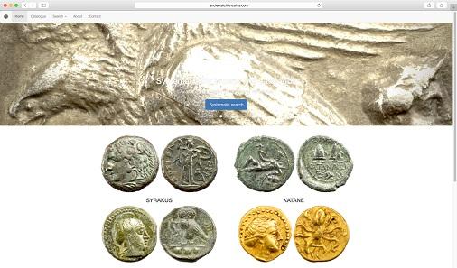 Auf der Startseite begrüßt den Besucher eine immer wieder neue Auswahl von Münzen aus dem Katalog.