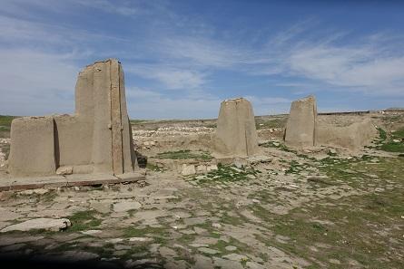 Walls of the Hasanlu citadel. Photo: KW.